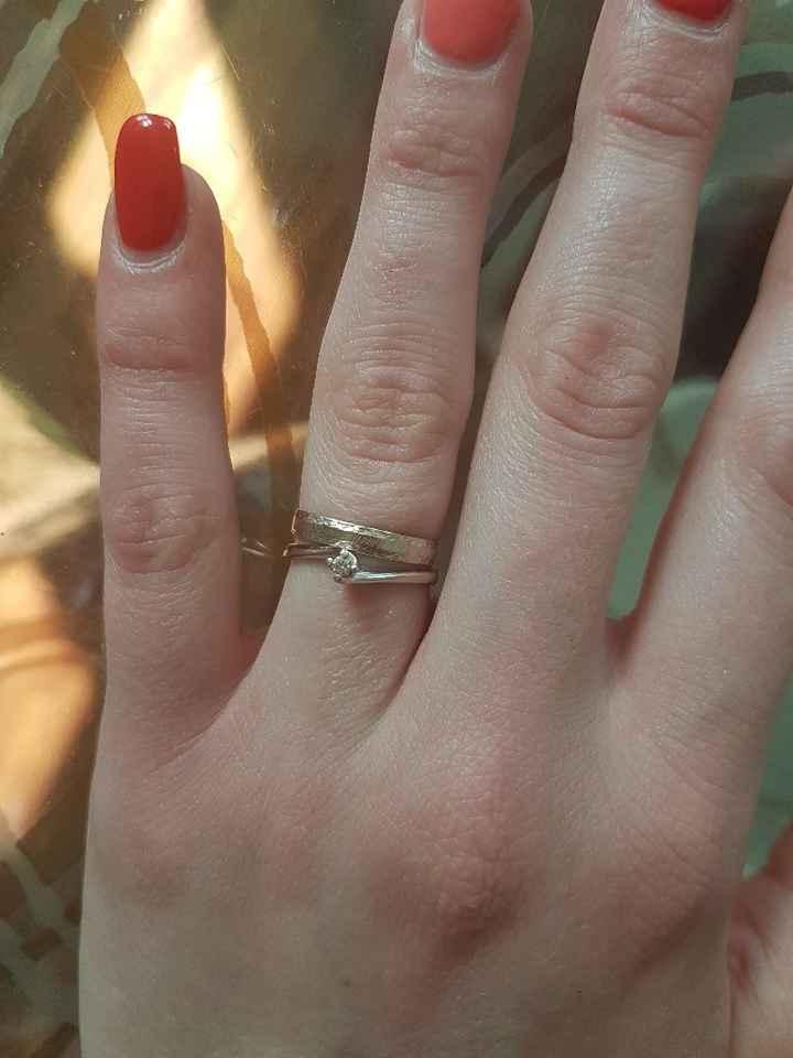 Fede e anello di fidanzamento abbinati - 1
