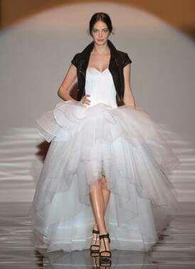Al Matrimonio In Jeans : Giacca di jeans e abito da sposa per un matrimonio country