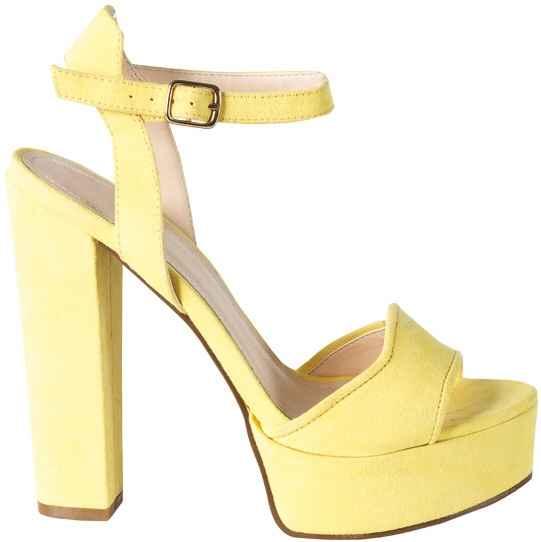 Inaspettatamente scarpe... - 1