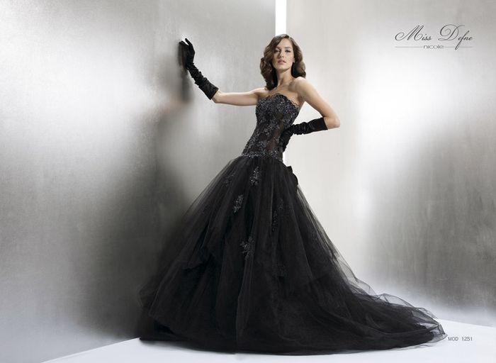 352b6a6c26d5 Abito da sposa nero  - Moda nozze - Forum Matrimonio.com