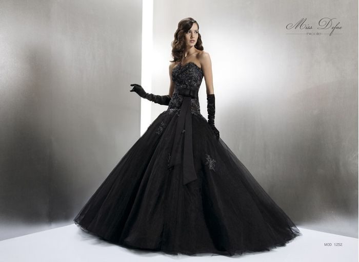 Everyone Monday steam  Abito da sposa nero? - Moda nozze - Forum Matrimonio.com