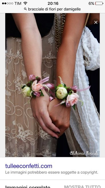 Bracciali di fiori per testimoni  cognate e suocere - 1
