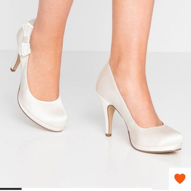 Scarpe da sposa: bianche, colorate o... 1