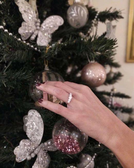 E ora mostraci una foto del tuo anello di fidanzamento! 29