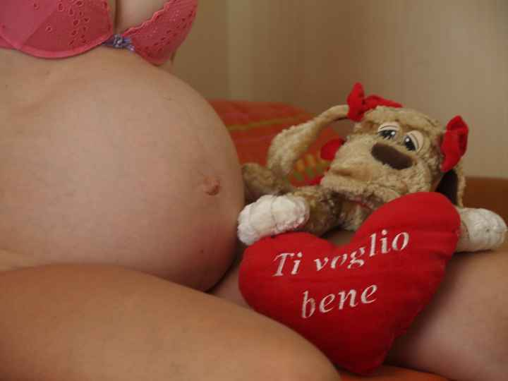 la mia pancia in gravidanza