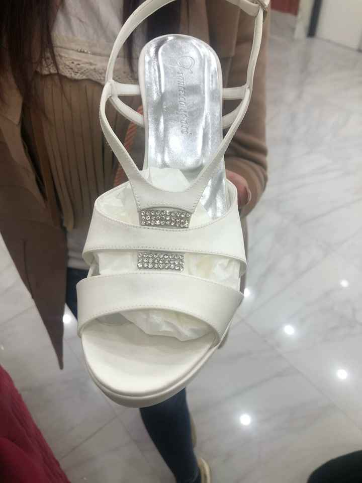scarpe trovate - 1