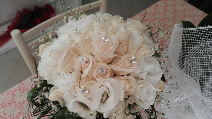 Ispirazioni bouquet in bianco (o quasi) - 1