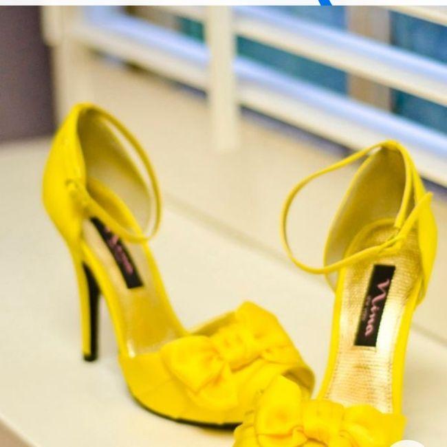Scarpe gialle... Aiuto! 1