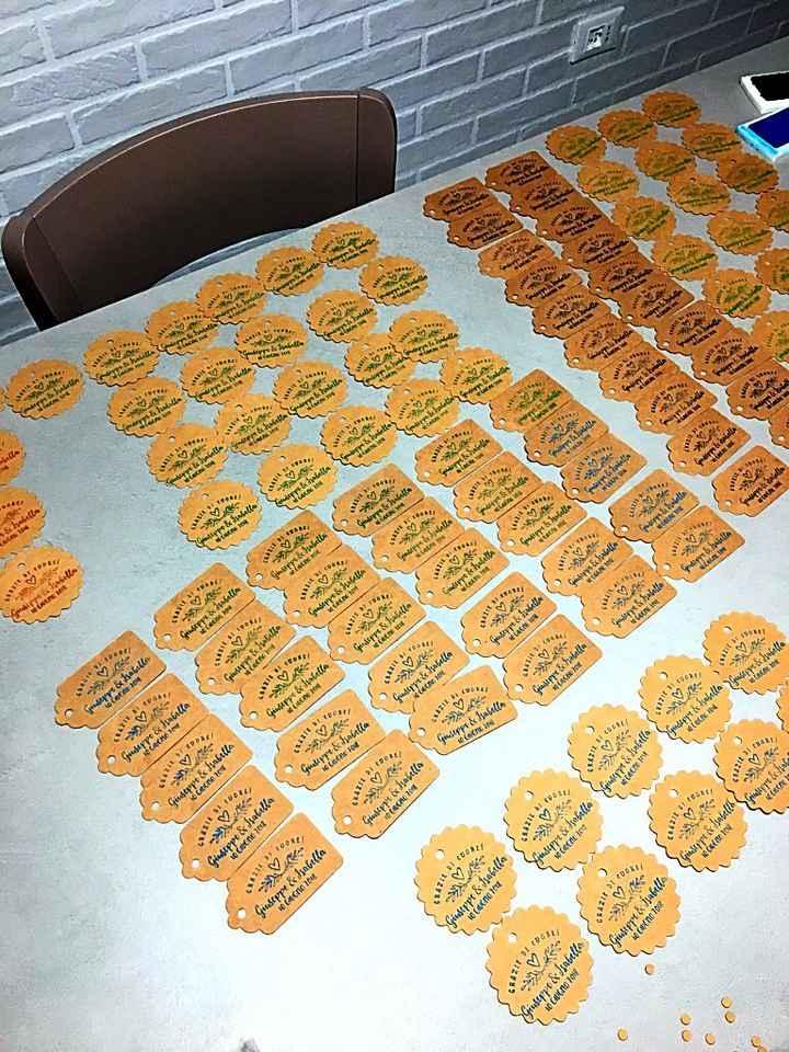 Timbro personalizzato più tag in carta kraft - 1