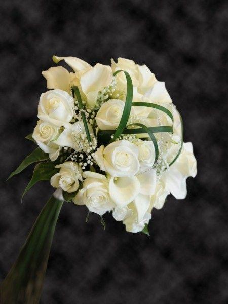 Bouquet Sposa Rose E Calle.Per Chi Optera Per Un Bouquet Di Rose Bianche
