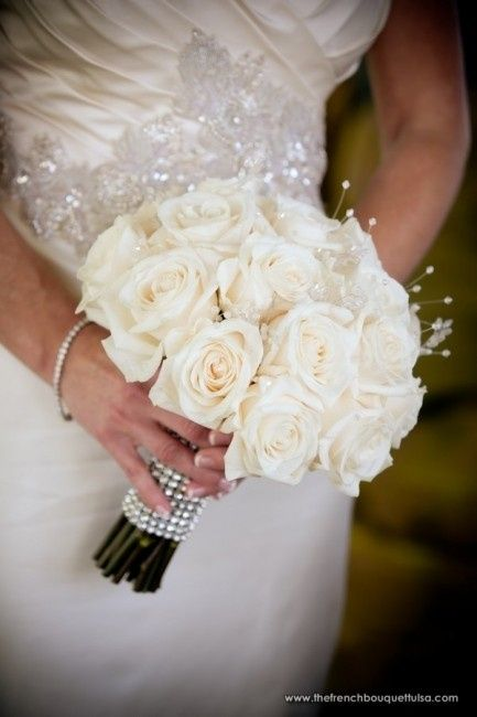 bouquet sposa rose bianche
