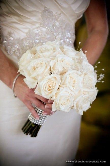 Bien-aimé Per chi opterà per un bouquet di rose bianche - Organizzazione  AQ74