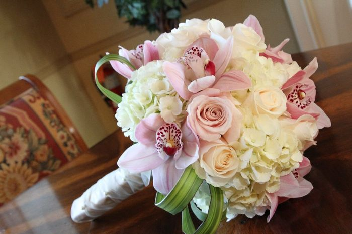 Bouquet Ortensie E Orchidee : Per chi opterà un bouquet di rose bianche