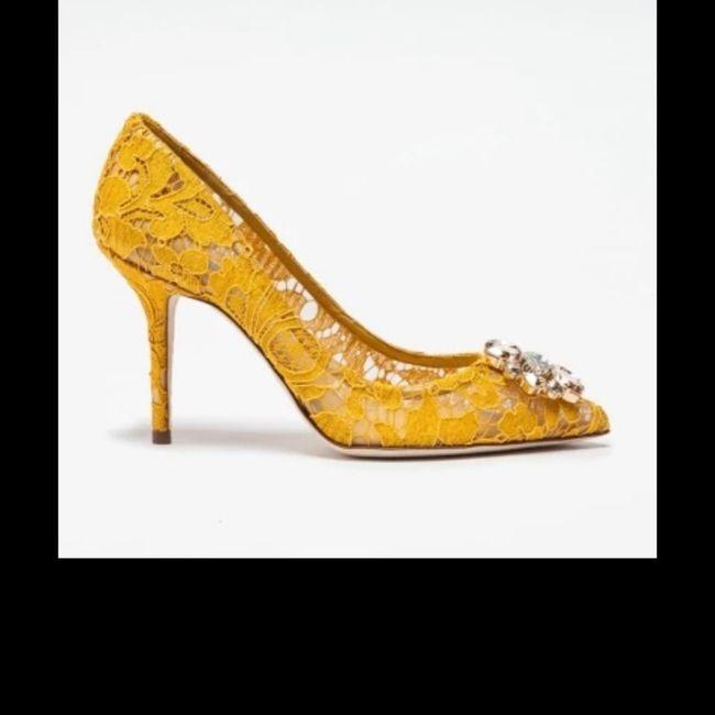 Scarpe gialle... Aiuto! 2