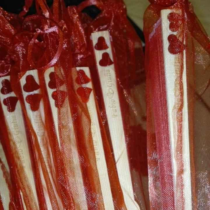 Modificare data matrimonio incisa nei ventagli di legno - 1
