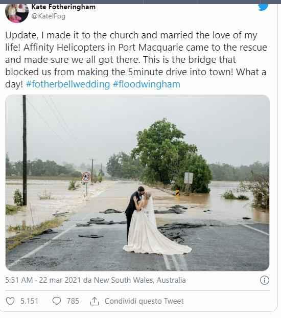Il covid, l'alluvione, ma niente ferma la sposa! arriva in elicottero - 1