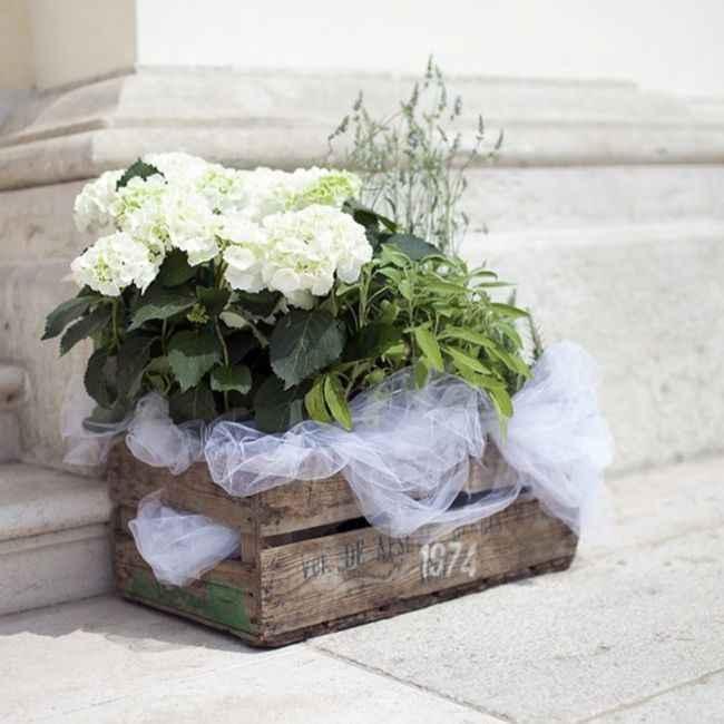 Idee addobbi esterno chiesa senza fiori - 2