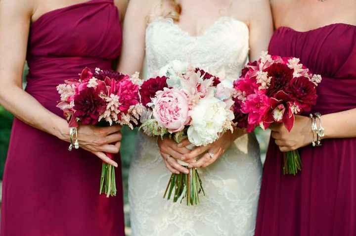 Idea bouquet fiori sposa/damigelle