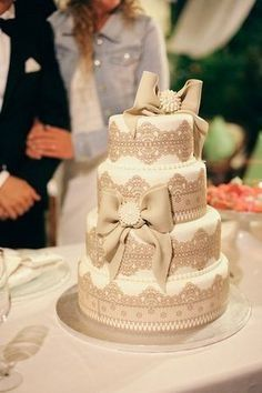 Torte Matrimonio Country Chic : Wedding cake in base allo stile shabby chic ricevimento di