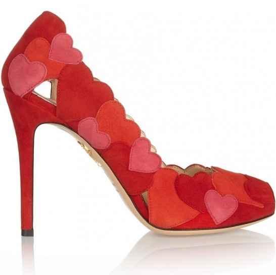 scarpe con cuori