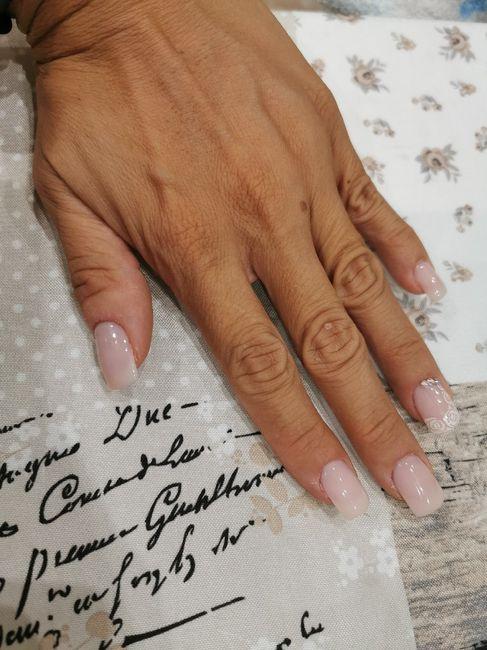 a - 4 anche le unghie sono fatte 1