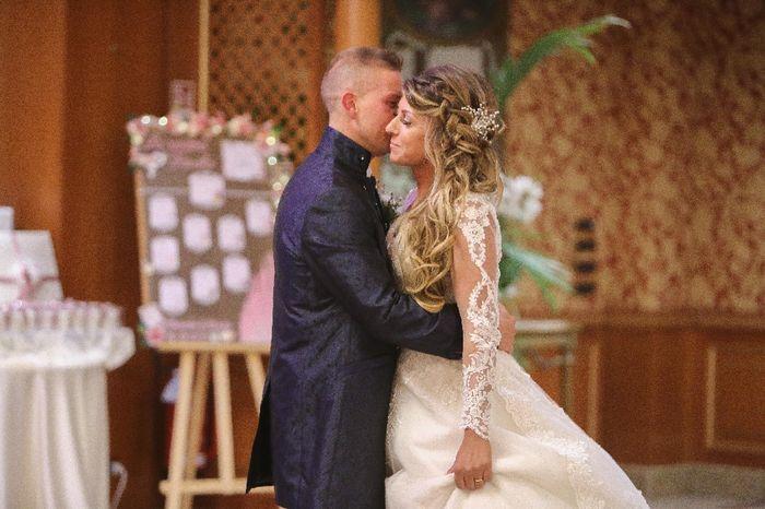 Emozioni a riguardare le foto del matrimonio... 13