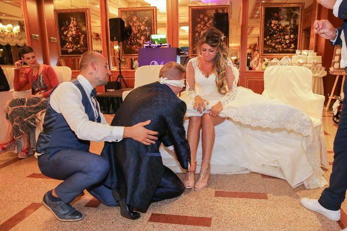 Emozioni a riguardare le foto del matrimonio... 15