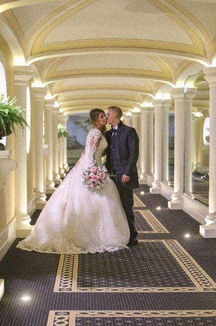 Emozioni a riguardare le foto del matrimonio... 6