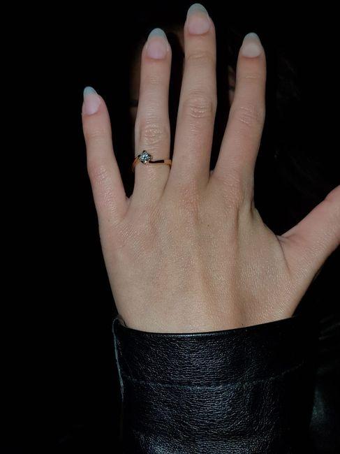 Parlaci del tuo anello di fidanzamento e scarica il regalo 2