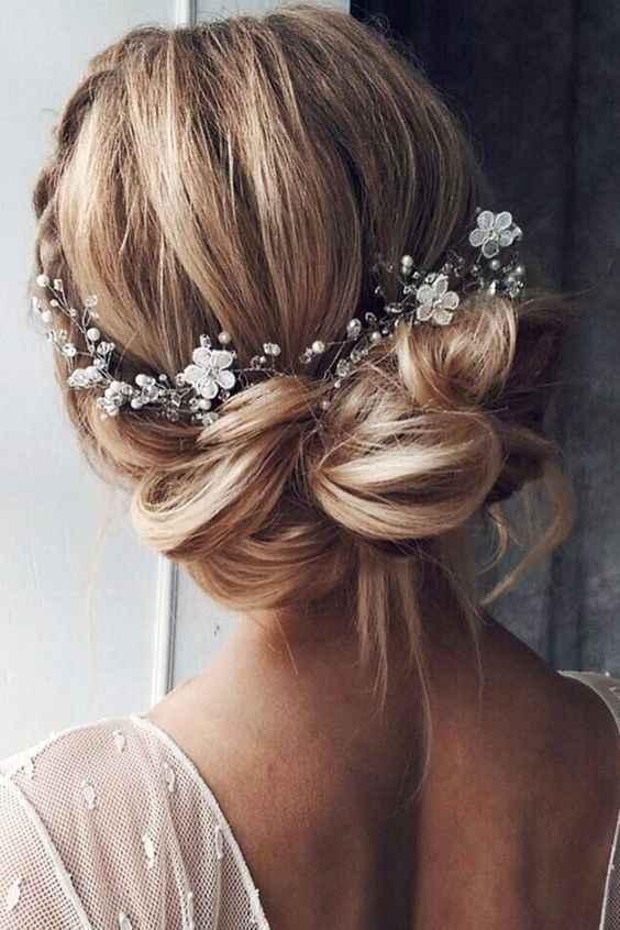 Quale accessorio capelli indosseresti? 4