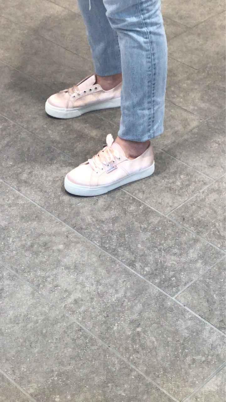 Cambio scarpe; ho trovato le mie superga! - 1