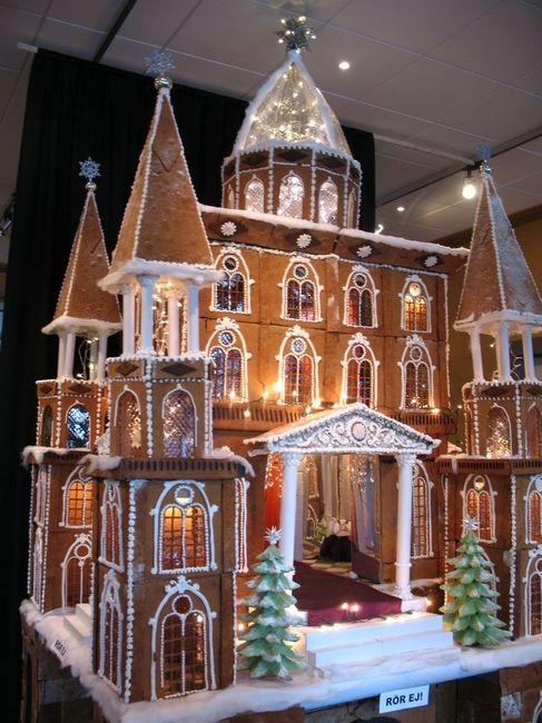 Christmas wedding cake! 11