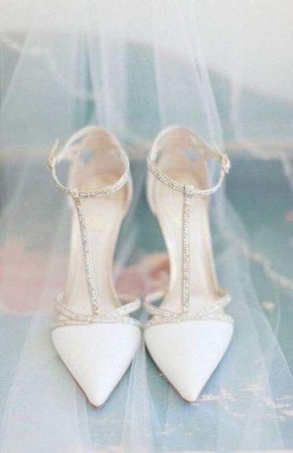 Calzatura sposa sotto vestito con spacco 1
