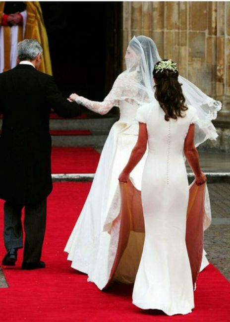Eleganza nella gestione dell' abito da sposa. - 1