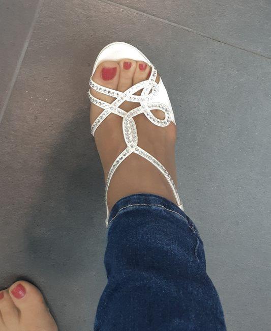 Alla ricerca delle... scarpe - 1