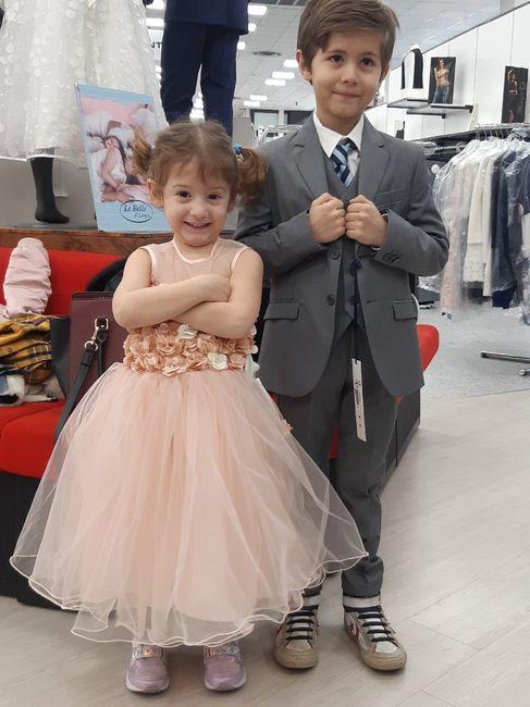 Vesti i figli per le nozze 1