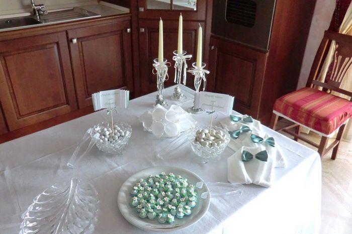 Come addobbare il tavolo in casa della sposa 1 foto organizzazione matrimonio - Come addobbare la casa della sposa il giorno del matrimonio ...