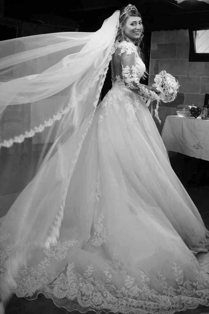 La gonna del tuo abito da sposa è... - 1