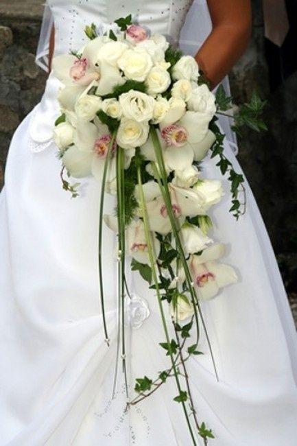 Quanto Costa Il Bouquet Della Sposa.Bouquet Rose E Orchidee Quanto Puo Costare Organizzazione