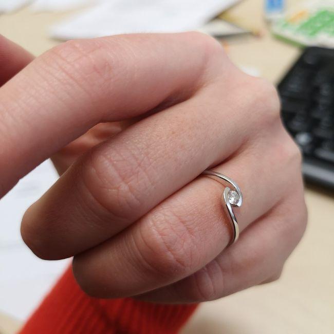 Chi non ha ricevuto l'anello e/o la proposta? Ditemi le vostre esperienze ☺️ 1