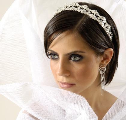 Capelli sposa medio corti moda nozze forum for Cappelli per matrimonio