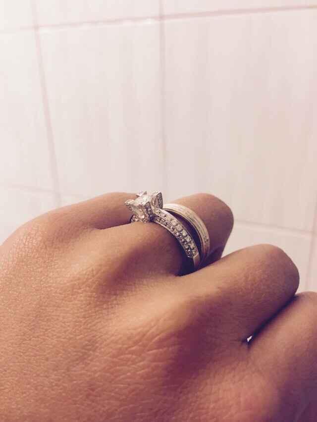 Mi fate vedere i vostri anelli di fidanzamento? - 1