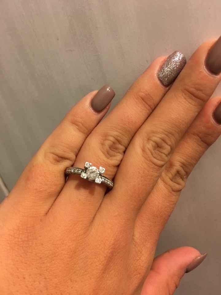 Mi fate vedere i vostri anelli di fidanzamento? - 2