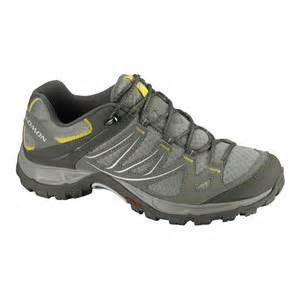 scarpa leggera da trekking
