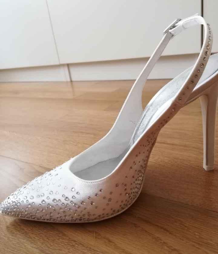 Sondaggio sul marchio delle scarpe 👰 - 1