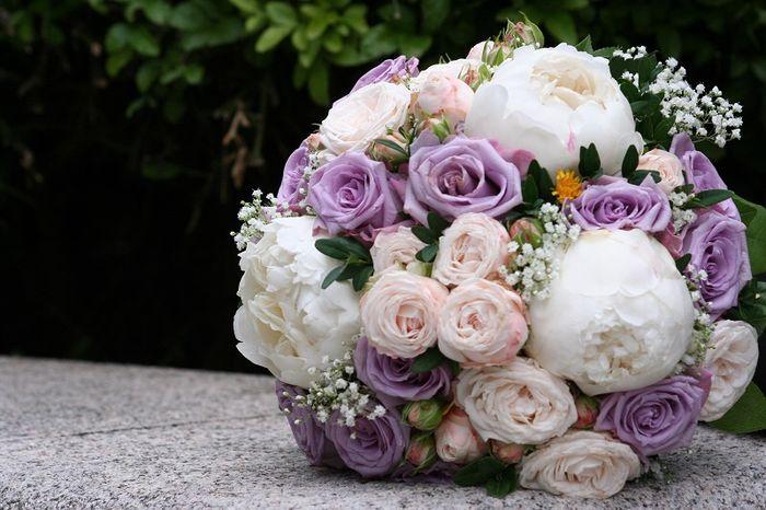 Bouquet bianco e glicine(lilla) - 7
