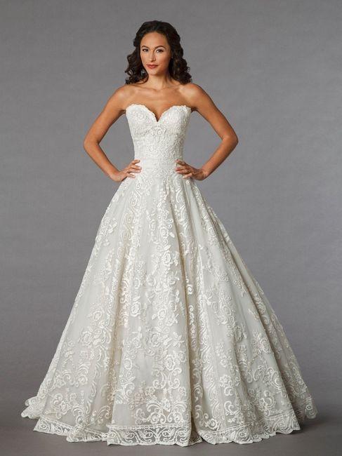 ... Progettazione abito da sposa: Abiti da sposa per cerimonia in comune