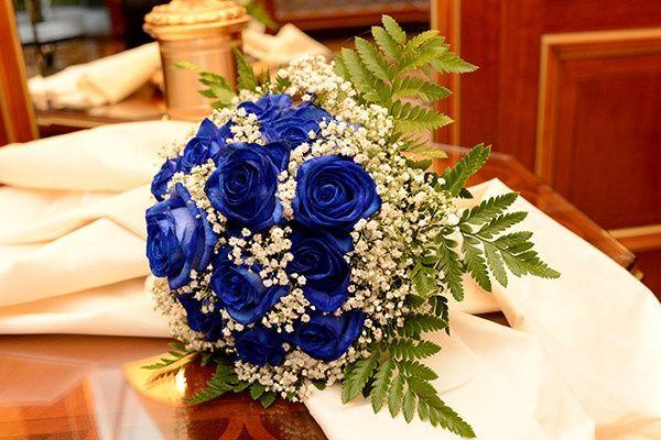 Bouquet Sposa Con Rose Bianche E Blu.Bouquet Di Rose Quale Scegliere Moda Nozze Forum
