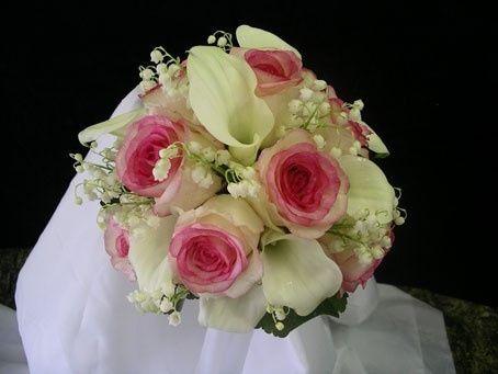 Bouquet di rose quale scegliere moda nozze forum for Calle colorate non fioriscono