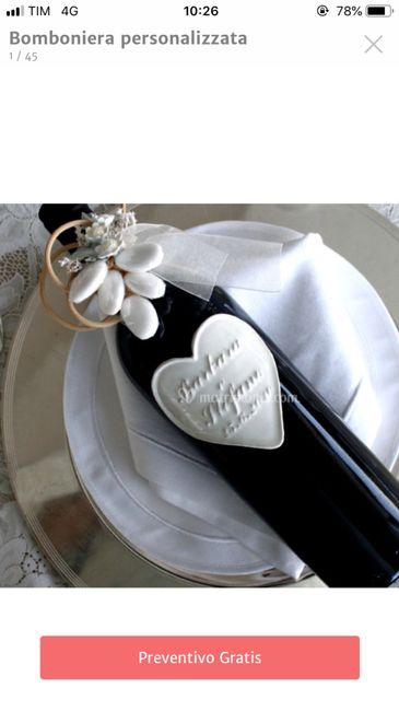 Bomboniere vino con etichetta in ceramica 1